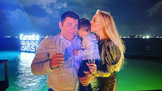 Антония Петрова заведе сина си на Малдивите