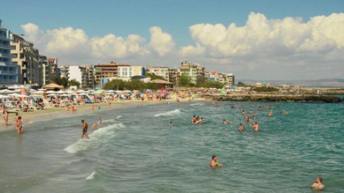 Определени са концесионери на  шест морски плажа