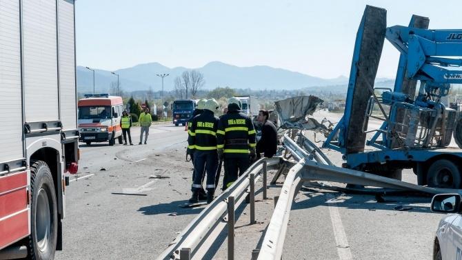 Загинал е един от шофьорите от мелето на пътя Велико Търново - Русе