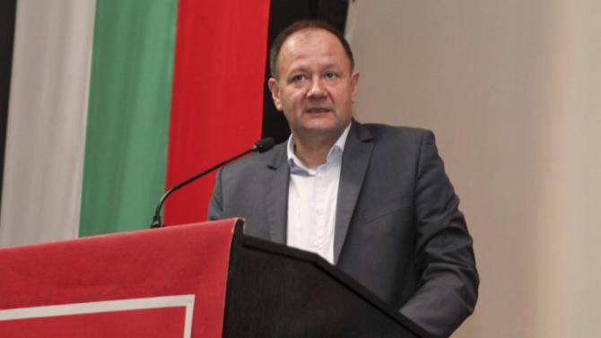 Михаил Миков: Гергов е добра мишена с партиен билет