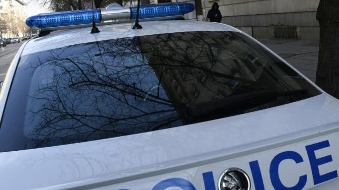 15-годишен катастрофира с краден автомобил във Вършец