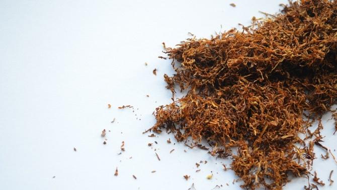 Полицията в Плевен иззе 100 килограма незаконен тютюн от джип в село Буковлък