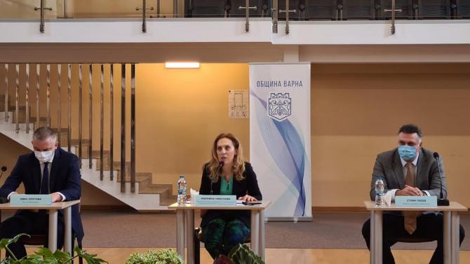 Марияна Николова пред бранша във Варна: Очакваме с ваксините да се ускори рестартът на туризма