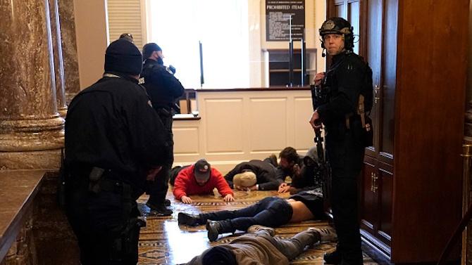Вижте коя е застреляната в Капитолия жена