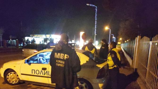Тръшнаха трима полицаи в Русе, искали подкупи от шофьори