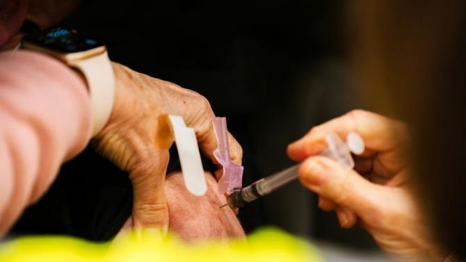 Макрон, Меркел и Фон дер Лайен се ангажираха да следват общоевропейския подход относно ваксините срещу COVID-19