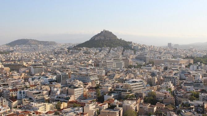 Гърция отваря детските градини и основните училища на 11 януари