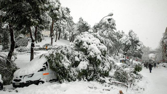 Снежната буря в Испания взе три жертви