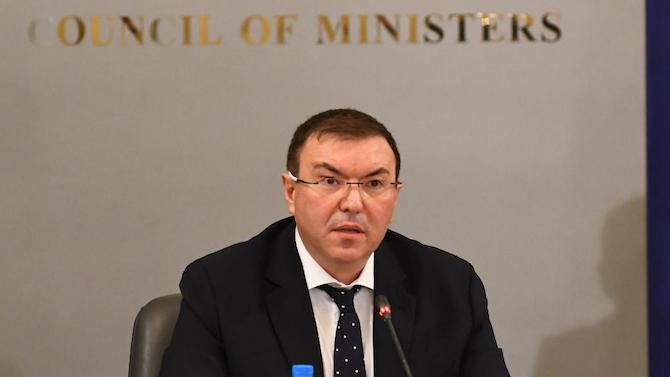 Министър Ангелов обяви имало ли е нарушение на плана за ваксиниране в Сандански