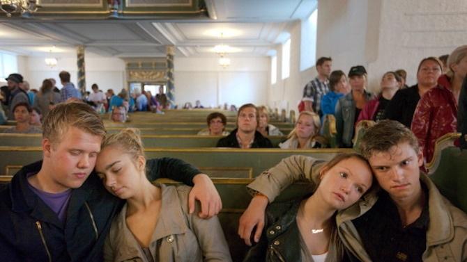 Норвежкият министър-председател присъства на службата в памет на жертвите на свличането в Аск