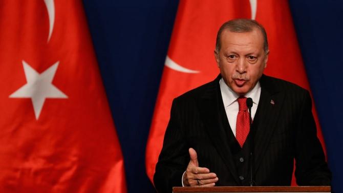 """Ердоган даде под съд опозиционен лидер, нарекъл го """"т.нар. президент"""""""