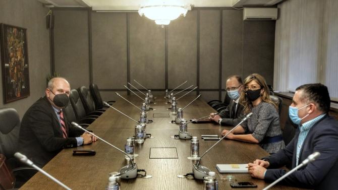 Екатерина Захариева прие специалния пратеник  на правителството на РСМ Владо Бучковски