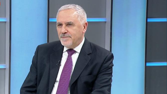 Дипломат: Северна Македония стана писта за надпревара по патриотарство за политиците ни