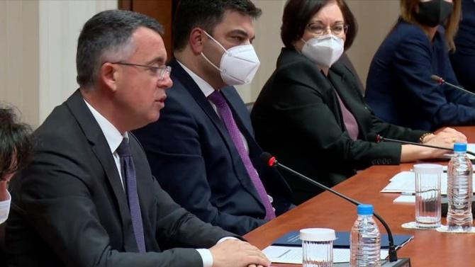 ДПС с първи коментар за сблъсъка на Радев и Борисов за Пеевски