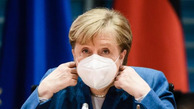"""""""Билд"""": Меркел очаква затварянето на Германия"""