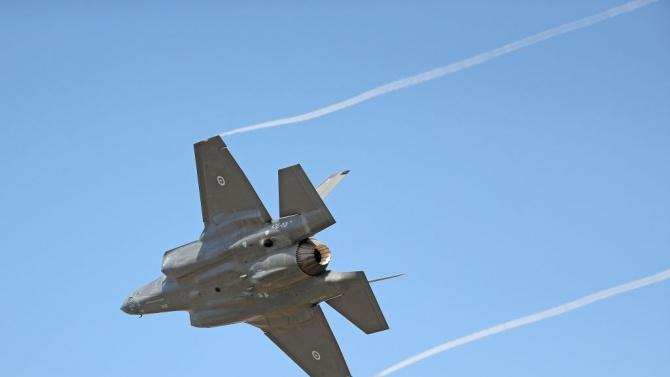 """В Пентагона разтревожени: Близо 900 дефекта в изтребителите F-35 на """"Локхийд Мартин"""""""
