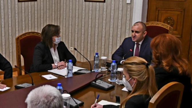 Георг Георгиев с остър коментар за консултациите на Радев с БСП