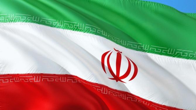 Иран започна двудневни ракетни учения в Оманския залив