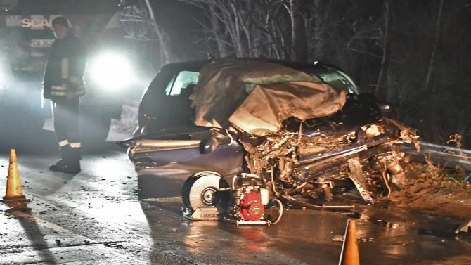 Верижната катастрофа от снощи на Околовръстното в София била заради заледен път?