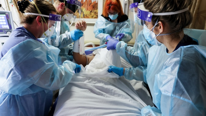Нов рекорд по смъртност от COVID-19  в САЩ