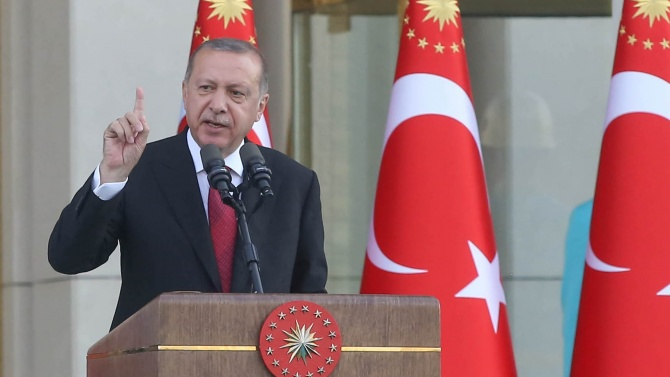 Реджеп Ердоган: Работете здраво!