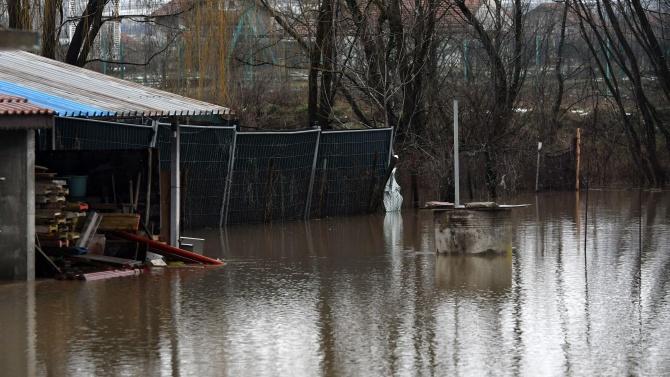 Обилните валежи в Бургаско са причина за скъсаната дига на река Факийска