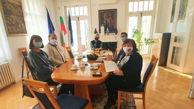Горноградската гимназия в Загреб благодари за помощта от България