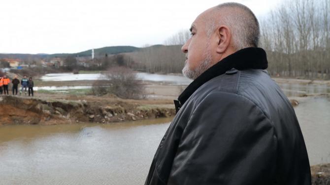 Премиерът Борисов обвини комунистите за пропадналите от наводненията пътища