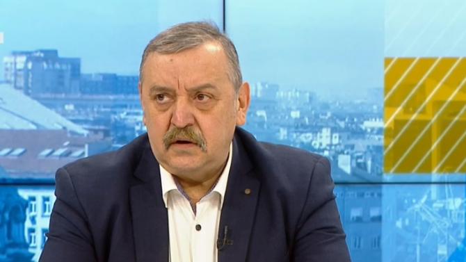 """Проф. Кантарджиев: Ваксините на """"Пфайзер"""" убиват и новия щам на коронавируса"""