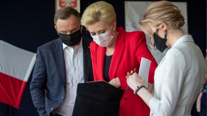 Дъщерята на полския президент вече не е консултант на правителството