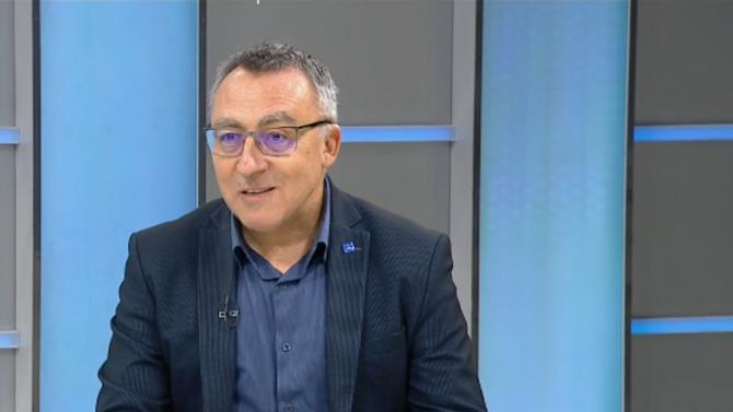 Диян Стаматов: Решението за връщането в клас на учениците от 5 до 12 клас трябва да бъде изцяло здравно
