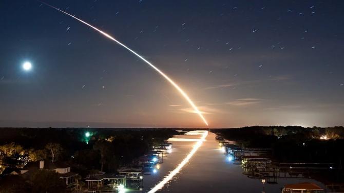 Ярък метеор озари небето над Русия