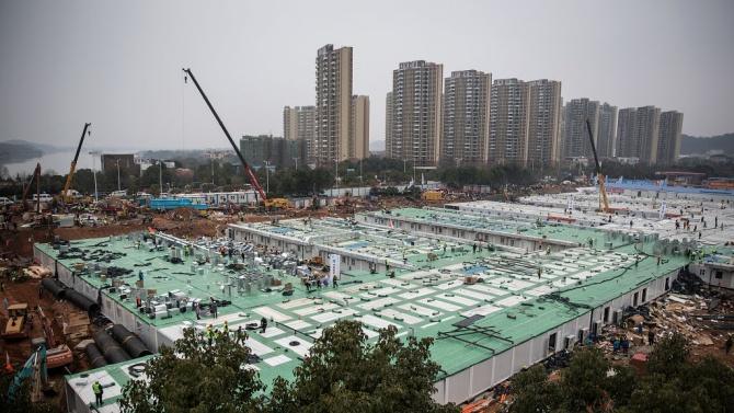 За 5 дни: Китай вдигна болница с 1500 стаи за заразени с  коронавирус