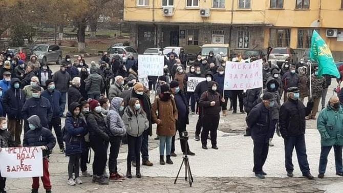 """Кметът на община """"Родопи"""" се ангажира за бързо решаване на проблема с питейната вода за село Брестовица"""