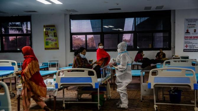 Над 190 000 души бяха ваксинирани през първия ден на масовата ваксинация срещу COVID-19 в Индия