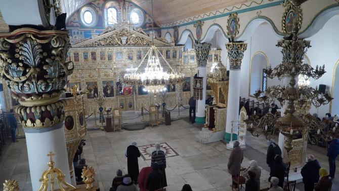 Православната църква почита днес паметта на Атанасий Велики. Той е