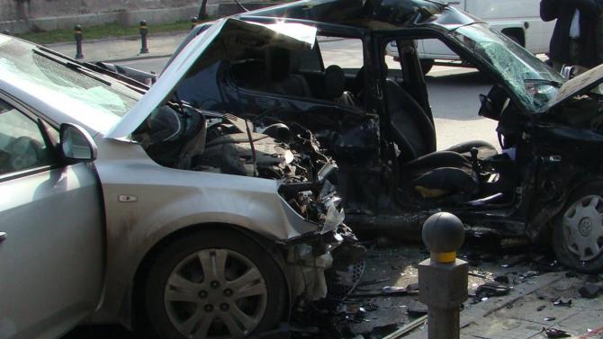 Водач загина при тежък пътен инцидент на пътя Велики Преслав-Търговище.
