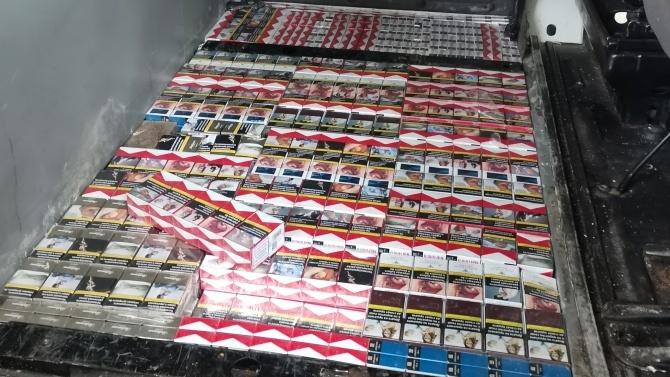 Удар на митничарите! Спипаха близо 20 000 къса цигари на Дунав мост-Русе
