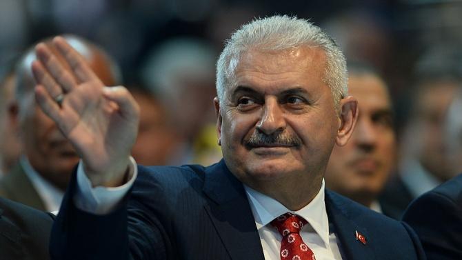 Ахмет Давутоглу: Ердоган скоро ще бъде свален с военен преврат