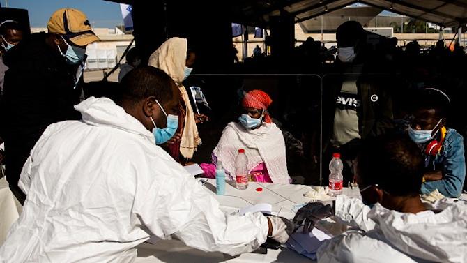 Южноафриканският вариант на COVID-19 е по-агресивен и заразен