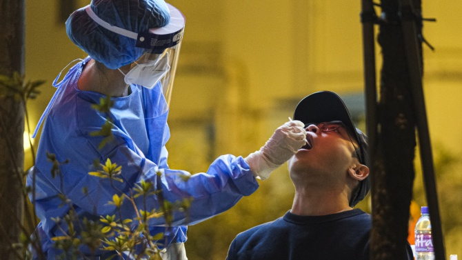 Над 100 нови случая на COVID-19 в Китай за седмо поредно денонощие