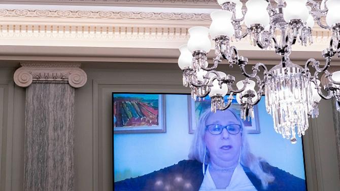 Байдън избра транссексуална за ключов пост в министерството на здравеопазването