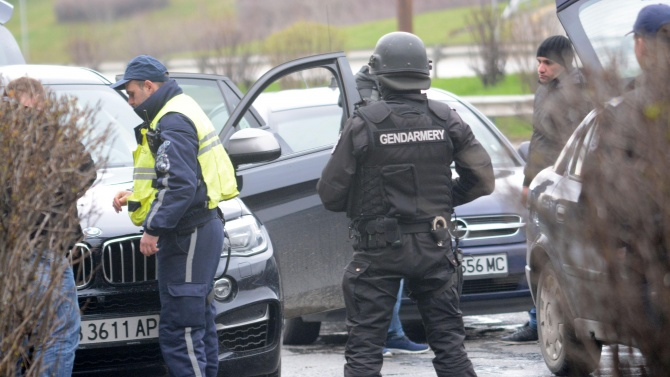 Арестуваха шефа на дознателите във Второ РУ-Благоевград