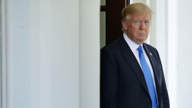 Тръмп напуска поста, оставя след себе си хаос