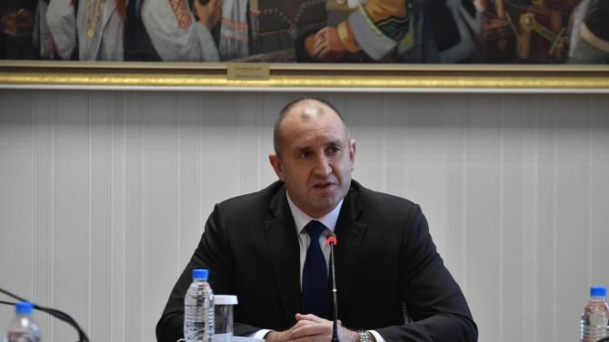 Димчев: Стратегическият съвет към президента е група беловласи чичовци, говорещи вместо Румен Радев за неща, от които не разбират