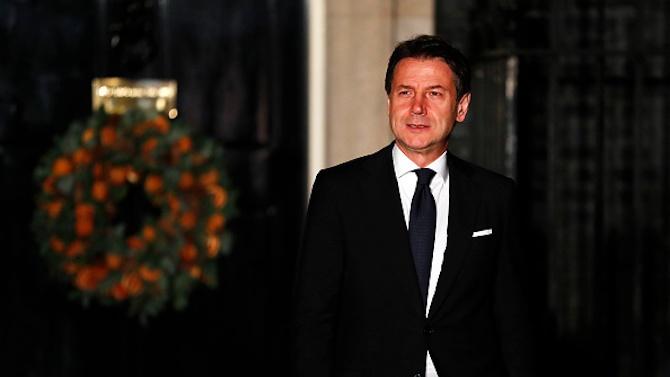Италианското правителство на малцинството търси съюзници