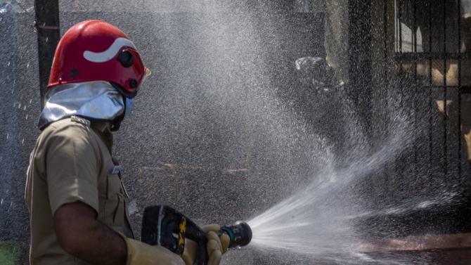 Пожар избухна в Серумния институт на Индия, който е най-големият