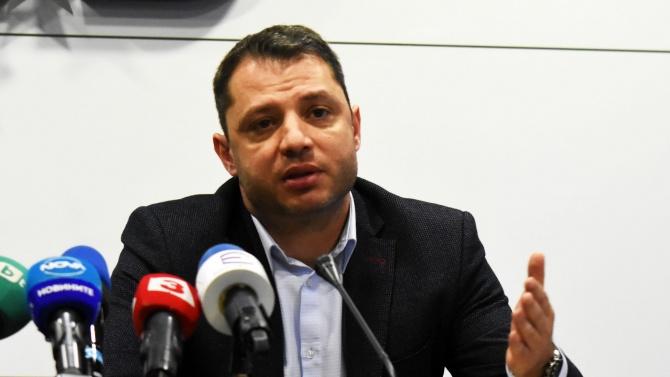 Делян Добрев с първи коментар след като осъди Елена Йончева