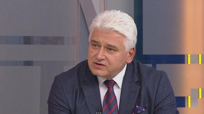 """Проф. Пламен Киров е завършил Юридическия факултет на СУ """"Св."""