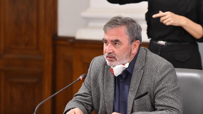 Доц. Ангел Кунчев: Единствено ние на Балканите ваксинираме срещу COVID-19